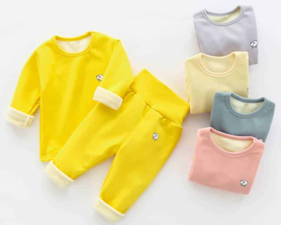 Lựa chọn quần áo cho bé trai 3 tháng tuổi vừa đẹp vừa chất lượng. 1